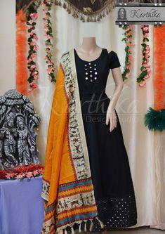 Long Gown Dress, Frock Dress, Long Gowns, Plain Kurti Designs, Kurta Designs Women, Kurti Patterns, Dress Patterns, Designer Anarkali Dresses, Designer Dresses