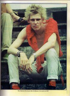 """Paul Simonon"" You are definitely @WesternUniverse #EuropeanFashion #punk #WesternUniverse #albpinczo"