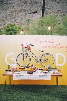 So bright ,playful - Wedding dessert and cake table   fabmood.com #wedding #summerwedding #weddinginspiration