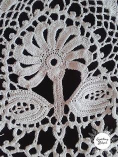 Szydełkowy zakątek: Koniakowskie koronki Marty Legierskiej. Magia bogactwa wzorów. Crochet Doilies, Crochet Lace, Irish Crochet, Elsa, Crochet Necklace, Poland, Crochet Leaves, Crochet Trim, Filet Crochet