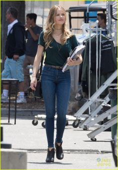 Halston Sage & Bella Thorne Continue Filming 'You Get Me' in Los Angeles   halston sage bella thorne you get me friday filming 04 - Photo