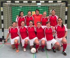Die Frauenfußballmannschaft der FAU sicherte sich bei den BHM im Hallenfußball, die erstmals als Futsalmeisterschaften ausgetragen wurden, den zweiten Platz. (Futsal ist übrigens kein Tippfehler, sondern eine von der FIFA anerkannte Variante des Hallenfußballs).