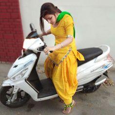 🅿️reet Indian Salwar Suit, Punjabi Salwar Suits, Indian Suits, Indian Wear, Punjabi Fashion, Bollywood Fashion, Indian Fashion, Kurti Designs Party Wear, Kurta Designs
