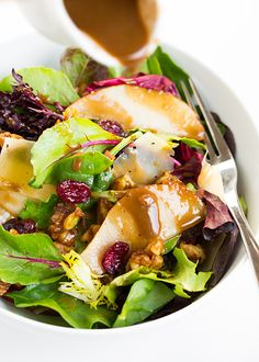 Autumn Pear Salad with Candied Walnuts and Balsamic Vinaigrette - this is my new favorite fall salad!! I crave it now.