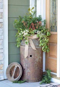 Fantastic Rustic Farmhouse Porch Decor Ideas Antique milk can rusty flower pot idea # Antique Milk Can, Vintage Milk Can, Old Milk Cans, Milk Jugs, Rustic Outdoor Decor, Rustic Patio, Outdoor Decorations, Rustic Planters, Tall Planters