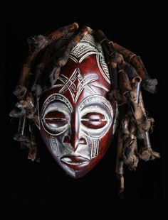 Chokwe red and white mask - African Art For Sale African Art For Sale, Ceramic Mask, Tribal Costume, Airsoft Mask, African Sculptures, Cool Masks, Art Africain, Africa Art, Masks Art