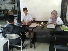 KPU Kabupaten Malang Buka Rekrutmen Anggota PPK dan PPS https://malangtoday.net/wp-content/uploads/2017/10/Panitia-penerimaan-anggota-PPK-dan-PPS.jpg MALANGTODAY.NET– Komisi Pemilihan Umum (KPU) Kabupaten Malang telah membuka rekrutmen anggota PPK (Panitia Pemilihan Kecamatan) dan PPS (Panitia Pemungutan Suara). Rekrutmen anggota PPK dan PPS tersebut dibuka sejak 12 hingga 21 Oktober mendatang. Selanjutnya pada 27 Oktober akan... https://malangtoday.net/malang-raya/ka