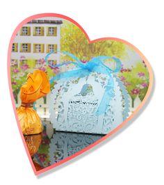 30PCS Handmade Laser Cut Candy Boxes with Ribbons Wedding Party Favor Birthday Gift Sweet Boxes Kiss Lover Pattern Wedding Accessory. Ofertas:  - Disfruta de hasta un 60% de descuento en la venta de relojes de pulsera. Oferta válida hasta el 20 de junio 2016.   - Aprovecha la promoción Eurocup y llévate al mejor precio un Smartphone K6000 Pro & K4000. Oferta válida hasta el 16 de junio 2016.   Códigos Descuento:  Código: HT17-4EU Condiciones: € 4 descuento para HOMTOM HT17 4G Android 6.