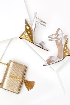 Go for gold when your accessorizing for your night out on the town with #Gucci heels and #SaintLaurent bag #10022Shoe