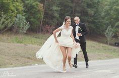 running from groom Groom, Weddings, Running, Sneakers, Shoes, Fashion, Tennis, Moda, Slippers