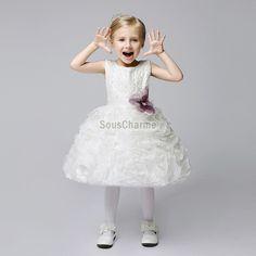 2aec4740edf91 robe mariage enfant fille princesse pas cher jupe ample en tulle blanche au  ruché superposé
