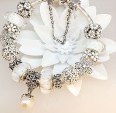 Tendance Bracelets – ✿ ❀ pinterest: mjjlla ❀ ✿… Tendance & idée Bracelets 2016/2017 Description ✿ ❀ pinterest: mjjlla ❀ ✿