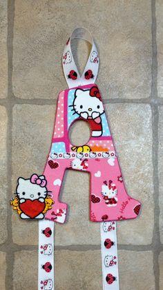 Hello Kitty Bowholder by Stina