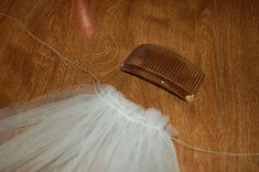 Veil Tutorials :  wedding ann arbor diy tutorial veil by Mrs.Taffy
