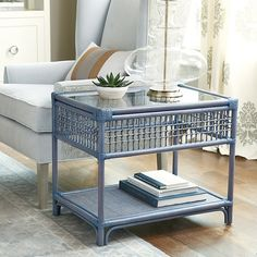 Want the Suzanne Kasler Southport Rattan Side Table to spice up your living room? Add glamour to your living and entertaining spaces and let the Suzanne Kasler Southport Rattan Side Table perfect your style! Rattan Stool, Rattan Coffee Table, Rattan Side Table, Rattan Furniture, Table Furniture, Furniture Design, Furniture Redo, Metal Furniture, Furniture Movers