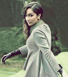 Bollywood Outfits, Bollywood Fashion, Prettiest Actresses, Beautiful Actresses, Beautiful Bollywood Actress, Beautiful Indian Actress, Beautiful Film, Indian Celebrities, Hollywood Celebrities