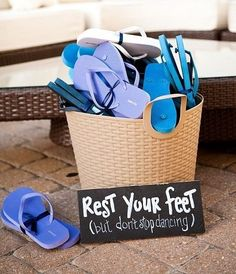 """Great idea for any party: """"safe your feet' Dancing the night away at the wedding - outdoor wedding = flip flops are a necessity! Via my-wedding o. Perfect Wedding, Our Wedding, Wedding Gifts, Dream Wedding, Luxury Wedding, Wedding Flip Flops, Wedding Planning Websites, Dance The Night Away, Marry Me"""