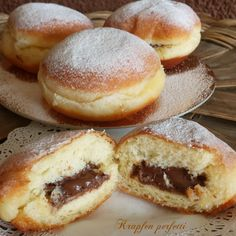 Donut filled with chocolate ! Turkish Recipes, Italian Recipes, Ethnic Recipes, Beignets, Donuts, Donut Filling, Italian Cake, Plum Cake, Chocolate Decorations