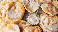 Indian Fry Bread Recipe - Genius Kitchen American Indian that is. French Fry Sauce, Fried Bread Recipe, State Foods, Chicken Fried Steak, Crab Cakes, Banana Bread Recipes, Sweet Bread, Coffee Cake, Yummy Treats