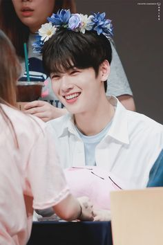 Wish i would also meet him😆 Cha Eun Woo, Asian Actors, Korean Actors, Cha Eunwoo Astro, Ideal Boyfriend, Lee Dong Min, Astro Fandom Name, Lee Hyun, Sanha