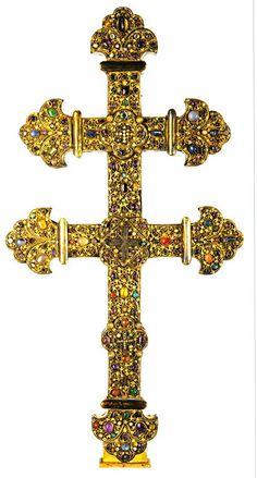 Cross with a piece of the True Cross.  Approximately 1210 to 1220.  Currently at the Musée de l'hôtel Sandelin,  Saint-Omer (Pas-de-Calais) France
