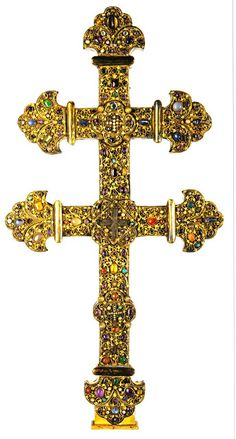 Cross with a piece of the True Cross. Approximately 1210 to 1220. Currently at the Musée de l'hôtel Sandelin, Saint-Omer (Pas-de-Calais) France