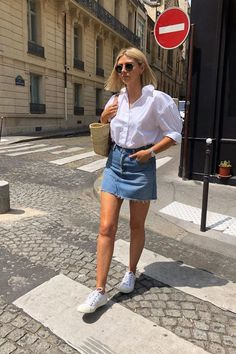 Style Outfits Guys Should Look At For Styling Inspiration. Check Out Few Outfit Ideas Right Now. Lets Get Started Guys! Outfits 90s, Sweater Outfits, Skirt Outfits, Spring Outfits, Casual Outfits, Cute Outfits, Fashion Outfits, Fashion Trends, Outfit Elegantes