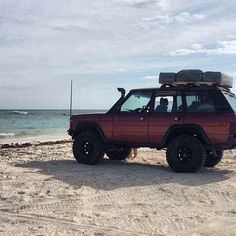 Range Rover Classic Vogue SE From Fan . . #RangeRover #vogue #rangeroverclassic #rangeroverclassic2door #RangeRoversport #Landrover #RRC #V8 #RRS #Gopro #Orn #Offroad #Classic #Extreme #adventure #myland #Liftkit