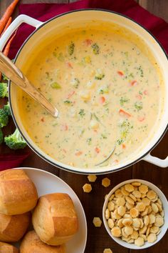 Cheesy Vegetable Chowder (AKA Broccoli Cheese Potato Soup) – Love love LOVE this soup! What you are basically getting here is creamy potato soup meets broccoli cheese soup and it is unbelievably delicious! Cheddar Broccoli Potato Soup, Creamy Potato Soup, Cheese Potatoes, Healthy Potato Soup, Steamed Broccoli, Cauliflower Soup, Low Carb Soup Recipes, Easy Soup Recipes, Vegetarian Recipes