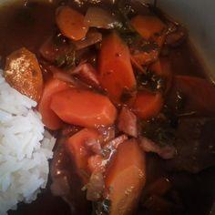 Bœuf bourguignon à la mijoteuse Bacon, Pot Roast, Slow Cooker, Ethnic Recipes, Food, Crock Pot Cobbler, Braised Beef, Beef Bourguignon, Suppers