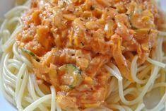 Rezept für schnelle Nudeln mit Zucchini-Soße.