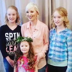 The cutest little bridal party The youngest girl even sang us Adele  #hairbykbez #jigsawforhair #yegstylist #yegsalon #yeghair #bridalhair #Repost @hairbykbez ・・・