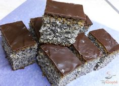 Poppy seed cake without mixer (a cup recipe) Top recipes . Top Recipes, Cake Recipes, Cooking Recipes, Drink Recipes, Cupcakes, Poppy Seed Cake, Homemade Sweets, Natural Yogurt, Chocolate Icing