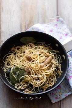 Spaghetti sgombro e salvia