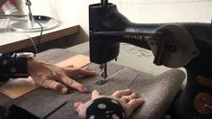 vintage zigzag Singer sewing machine, sewing a wool felt/leather bag at studio ROWOLD. Leather Craft Tools, Leather Tooling, Leather Bag, Sewing Leather, Studio, Zig Zag, Needle Felting, Card Holder, Singer