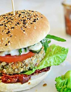 Przepis na smoothie w 100% owocowe - MniamMniam.com Salmon Burgers, Food Pictures, Food Videos, Healthy Recipes, Healthy Food, Smoothie, Chicken, Ethnic Recipes, Fit