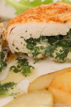 Medvehagymás kijevi csirkemell - az olvadt fűszervaj a hússzelet belsejében maradt Wild Garlic, Sandwiches, Food And Drink, Posts, Blog, Recipes, Messages, Recipies, Blogging