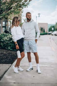 Cute Maternity Outfits, Pregnancy Outfits, Maternity Fashion, Pregnancy Clothes, Maternity Style, White Biker Shorts, Cella Jane, Short Outfits, Summer Outfits