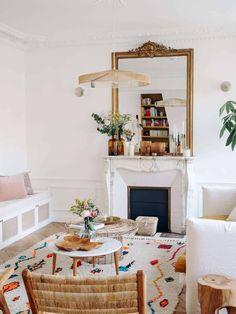 Piece A Vivre, Dining Room Design, Home Living Room, Loft, Bed, Furniture, Home Decor, Wonderland, Interior