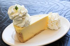 Key Lime Cheesecake: Key lime pie in a Deliciously tart and creamy. Cheesecake Factory Desserts, Key Lime Cheesecake, Cheesecake Cake, Cheesecake Recipes, Yummy Eats, Yummy Food, White Chocolate Raspberry Cheesecake, Cute Cakes, Cakes And More