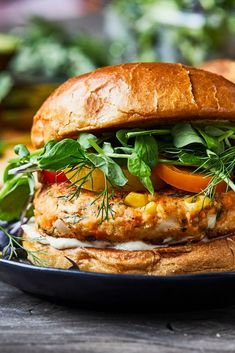 Nutrition, C'est Bon, Salmon Burgers, Summer Recipes, Hamburger, Food To Make, Sandwiches, Bbq, Cooking Recipes