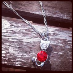 Beautiful necklace with cat €9.95