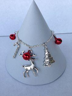 Christmas charm bracelet with jingle bells by LinkysCraftyCreation