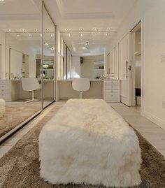 10 Luxury Walk-in Closet Design Ideas That Will Make Your Jaw Drop Walk In Closet Design, Closet Designs, Sala Glam, Closet Bedroom, Bedroom Decor, Closet Mirror, Bedroom Shelves, Bedroom Signs, Bedroom Ideas