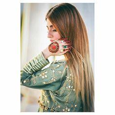cute dpz for girls Teen Girl Poses, Cute Girl Poses, Girl Photo Poses, Girl Photography Poses, Magical Photography, Stylish Dresses For Girls, Stylish Girls Photos, Stylish Girl Pic, Mehendi