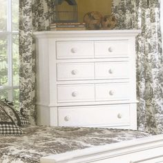 American Woodcrafters Ambleside 5 Drawer Chest Finish: Distressed Eggshell White