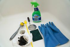 Easy and cost effective steps on how to unclog a bathtub or shower drain from hair. Anybody can handle a clogged drainage. Bathtub Drain, Shower Drain, Sink Drain, Toilet Bowl Stains, Clean Toilet Bowl, Toilet Repair, Clogged Toilet, Drain Repair
