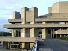 The National Theatre - London. Seen SO many good plays here, great bookshop and great place to hang out on the river. Post Modern Architecture, School Architecture, Royal National Theatre, Brutalist Buildings, London Theatre, Googie, Built Environment, Images, Arts Theatre