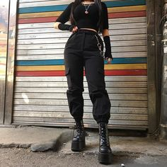 Image about girl in Ropa by Maria_Aguss on We Heart It Grunge Outfits, Punk Outfits, Cute Casual Outfits, Korean Outfits, Mode Outfits, Fashion Outfits, Mode Grunge, Grunge Style, Aesthetic Grunge Outfit