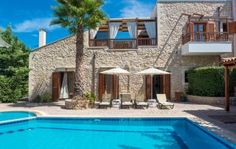 Kiparissi villa is a luxury, traditional 4-bedroom villa with private pool, built in the rustic village of Asteri. The villa is located 3 km from the sandy beach and 14 km from the lovely town of Rethymnon.